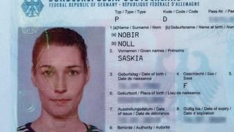 Saskias ID mit dem neuen Familiennamen und dem ledigen.
