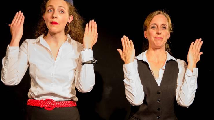 Sprachgewandt und Schlagfertig präsentiert Eva und Maria Textkreationen