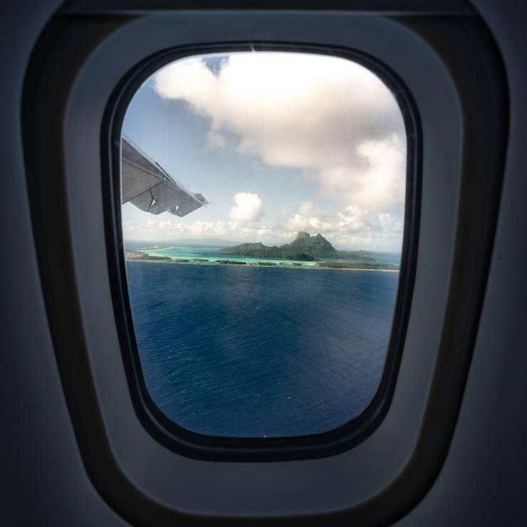 Von Insel zu Insel mit dem Flugzeug und atemberaubender Aussicht