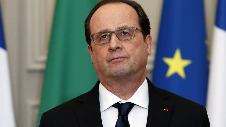 Der französische Präsident François Hollande schlug die Verfassungsänderung vor, nach der verurteilte Terroristen ihre französische Staatsbürgerschaft verlieren sollen - auch wenn sie nur diese haben. (Archivbild)