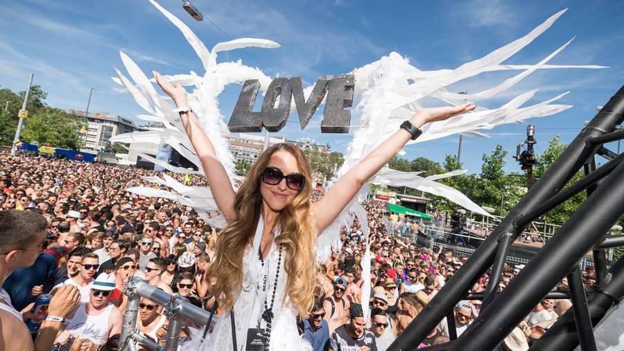 Um die 900'000 Besucher feierten die 25. Ausgabe letztes Jahr in der Limmatstadt. (© Street Parade)