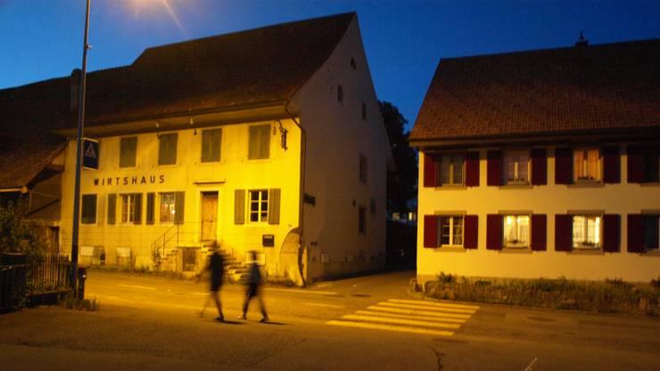 Der Kreuzplatz in Lostorf um 10 nach 10 Uhr.