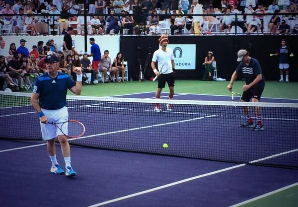 Im Doppel: Kevin Spacey (vorne) mit Wawrinka gegen Novak Djokovic und Will Ferrell.