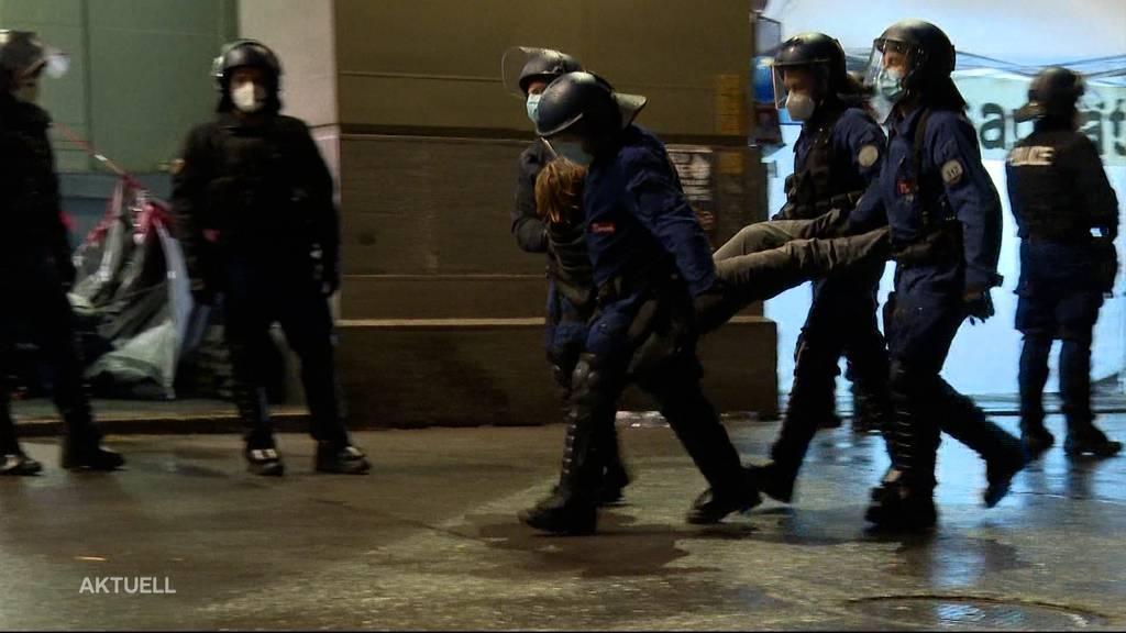 Klimaaktivisten-Camp auf Bundesplatz von Polizei geräumt