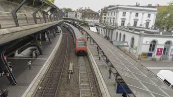 Kein viertes Gleis: Die SVP Kanton Zürich sagt Nein zum Ausbau des Bahnhofs Stadelhofen.