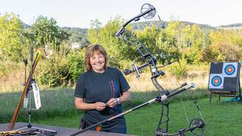 «Wenn du schiesst, gibt es nur den Bogen und dich»: Jacqueline Künzle vom Bogenschützen-Club Spreitenbach.
