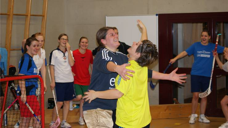 Vorfreude auf den Cupfinal bei Torhüterin Evelyn Thomet (vorne links) und Captain Alice Vez.yst