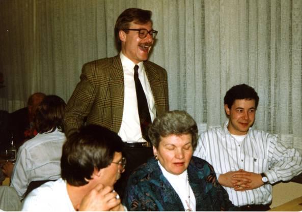 Markus Notter, der Jubelnde, mit 29 Jahren wurde er 1990 Stadtpräsident von Dietikon.