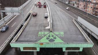 """Die 1974 eröffnete Zürcher Sihlhochstrasse sollte den Südast des """"Expressstrassen-Ypsilon"""" bilden. Heute zeugt der Autobahnstummel noch von dieser Vision. (Archivbild)"""