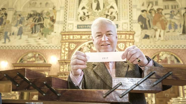 Heiner Vischer hat das Nähkästchen in den Grossratssaal mitgenommen.