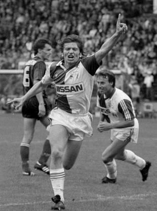 Fünfmal steht Xamax im Cupfinal – und verliert immer. Hier 1990 mit 1:2 gegen die Grasshoppers (vorn: GC-Torschütze Adrian de Vicente).
