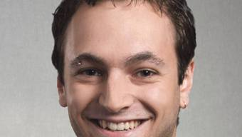 Der lachende Sieger Mathias Reynard von der SP ist 24 Jahre alt. (Archiv)