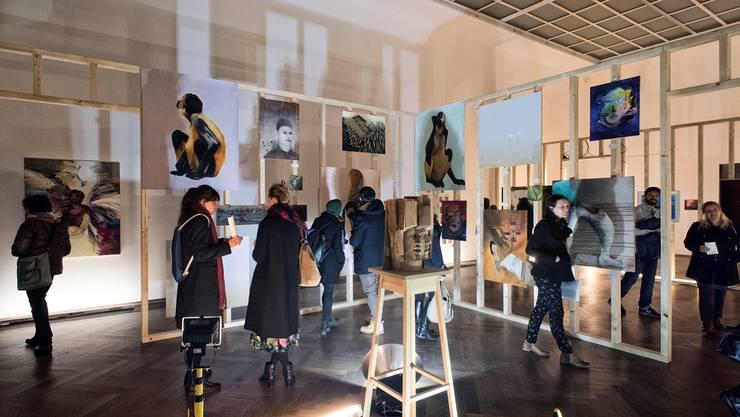 Degradierte Malerei? Die Ausstellung von Andreas Angelidakis stösst bei manchem Besucher der Basler Kunsthalle auf Skepsis.