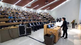 Doris Leuthard spricht an der Energietagung im PSI in Villigen.
