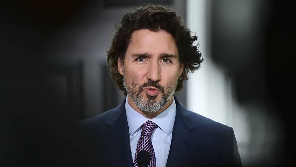 Der kanadische Premierminister Justin Trudeau hält eine Pressekonferenz in Ottawa. In Anbetracht der gut verlaufenden Impf-Kampagne hat er eine Grenzöffnung für Ausländer in Aussicht gestellt. (Archiv)