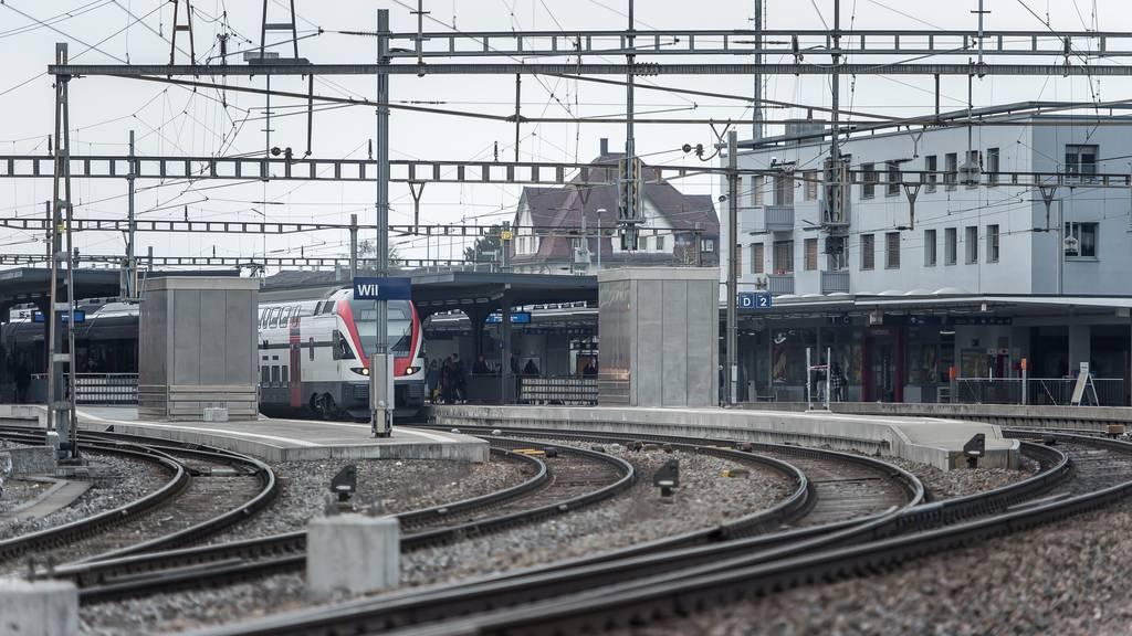 Am Mittwochabend ist es im Bahnhof Wil zu einem Personenunfall gekommen.