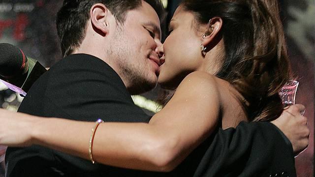 Vanessa und Nick Lachey haben bald noch mehr Grund zum Feiern (Archiv)