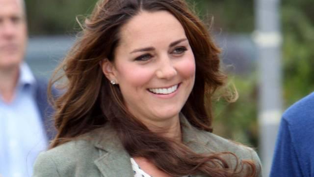 Kate trat erstmals seit der Niederkunft öffentlich auf (Archiv)