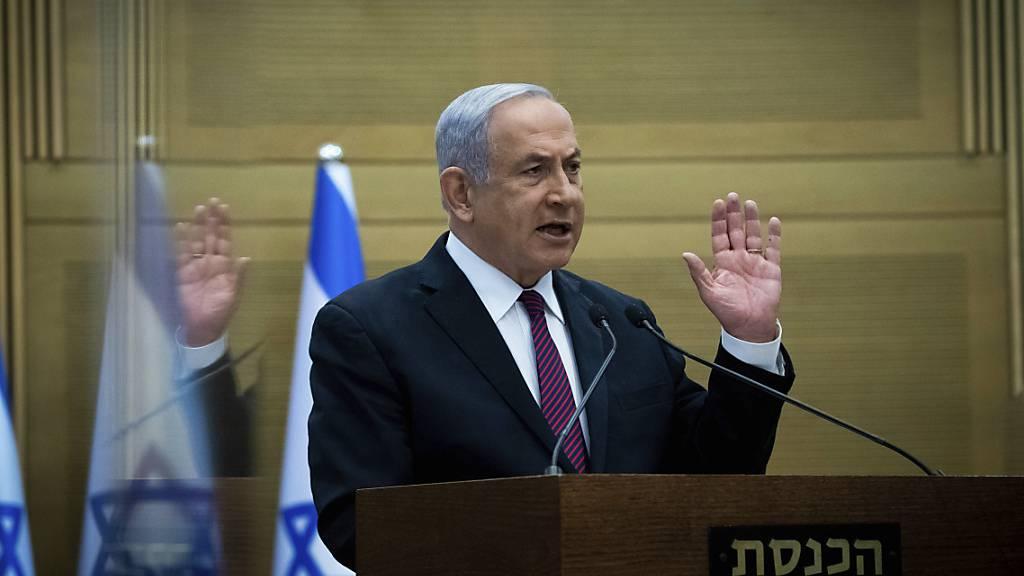 ARCHIV - Israels Ministerpräsident Benjamin Netanjahu in der Knesset. Foto: Yonatan Sindel/Pool Flash 90/dpa