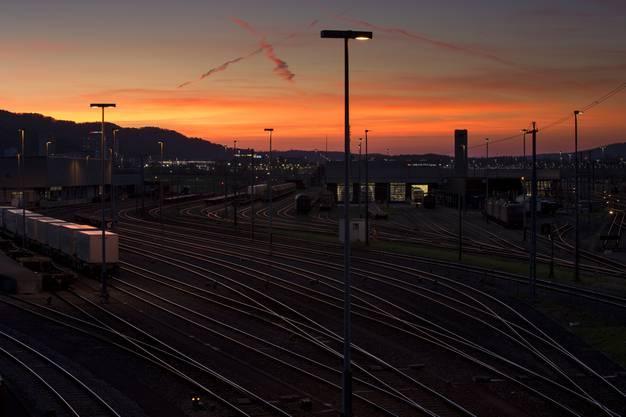 Eisenbahnromantik... von der Viaduktstrassenbrücke Richtung Westen in Dietikon.