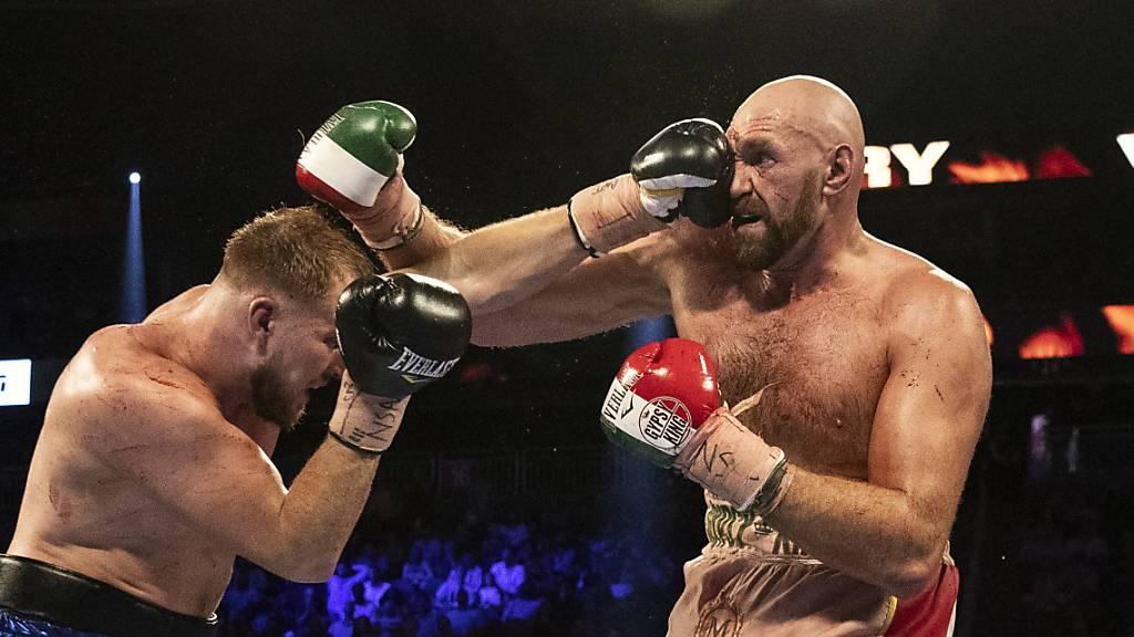 Tyson Fury siegt trotz heftiger Schnittwunde