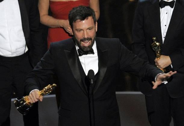 «Argo» von Ben Affleck ist der beste Film. Affleck freut sich über den Oscar.