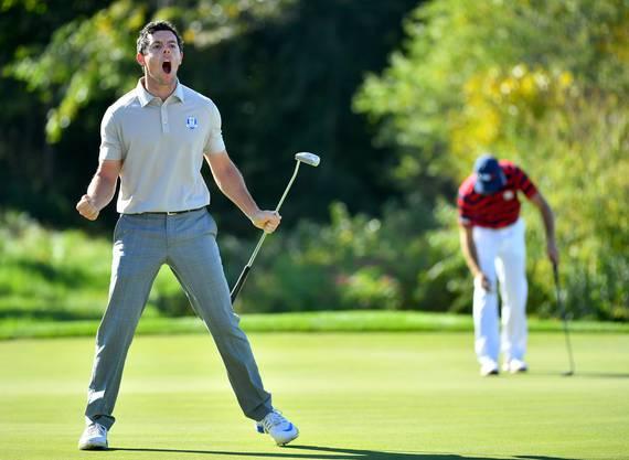 Rory McIlroy hat das Jubeln nicht verlernt, hier darf er sich über einen Birdie am Golf - Ryder Cup 2016 freuen.