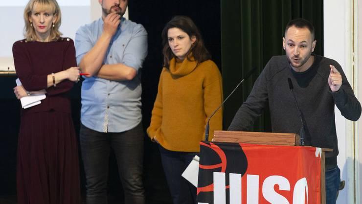 Kampf um Stimmen vor der Juso in Bern (von links): Priska Seiler Graf, Cédric Wermuth, Mattea Meyer und Mathias Reynard.