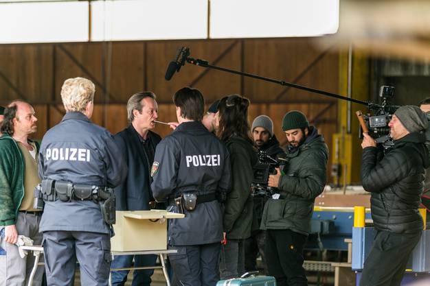 Frank Mulliger (gespielt von Pascal Ulli) enerviert sich über den DNA-Test