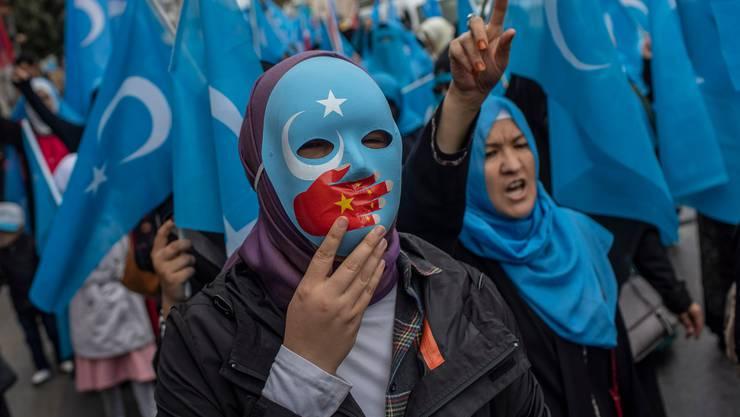 Schon vielerorts auf der Welt protestierten Uigurinnen und Uiguren gegen die Unterdrückung ihres Volks in China. (Symbolbild)