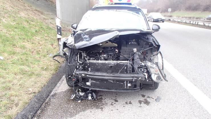 Ein alkoholisierter Autolenker hat auf der Autobahn A3 bei Zeiningen AG am Donnerstag einen Verkehrsunfall verursacht.