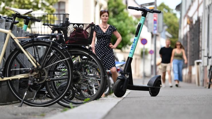 Ist selber lieber mit dem Velo als mit dem E-Trotti unterwegs: SP-Grossrätin Sarah Wyss.