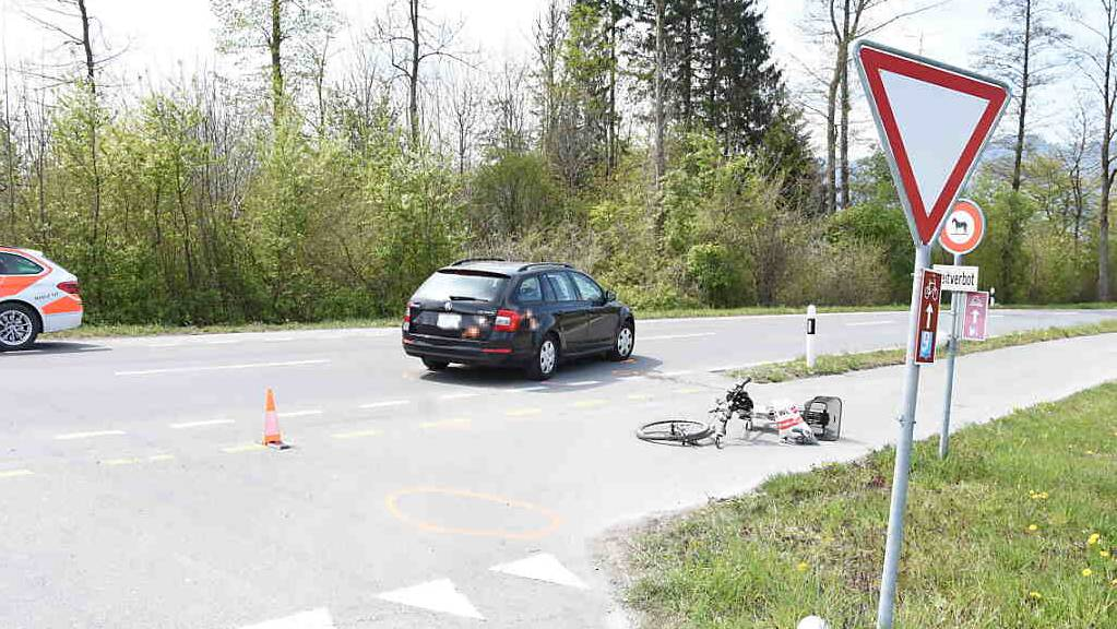 Beim Unfall in Balgach erlitt ein 65-jähriger E-Bike-Fahrer unbestimmte Kopfverletzungen.