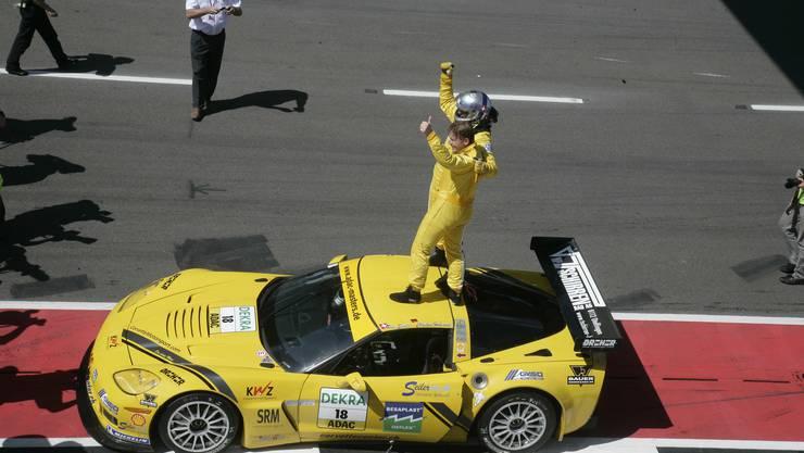 Siegesfeier auf dem Dach der Callaway Competition-Corvette.