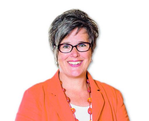 Jacqueline Tscherry ist seit 26 Jahren Zivilstandsbeamtin in Dietikon. Seit 2002 leitet die 49-jährige Dietikerin das Amt. Mit ihr zusammen arbeiten fünf weitere Zivilstandbeamtinnen. Sie vollziehen nicht nur Eheschliessungen. Das Zivilstandsamt ist zuständig für die Beurkundung von Geburten, Anerkennungen, eingetragenen Partnerschaften, Namenserklärungen und Todesfällen im Bezirk Dietikon und der Gemeinde Bergdietikon.