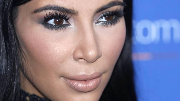 Kim Kardashian gibt bei den US-Präsidentschaftswahlen ihre Stimme Hillary Clinton (Archiv)