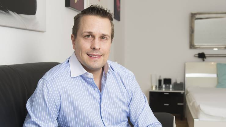 Callboy Renato (37) ist der Traum einsamer Damen-Herzen und betreibt das schweizweit grösste Callboy-Portal.