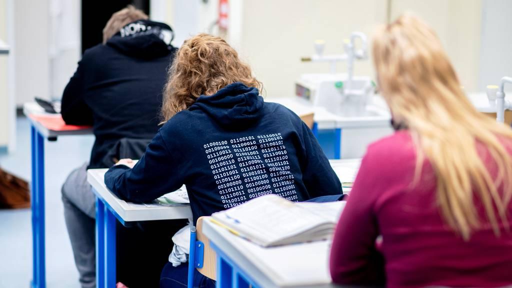 Im Kanton St.Gallen bleiben die Schulen vorerst offen. (Symbolbild)