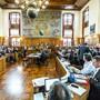 Der Parlamentssaal des Zürcher Rathauses strahlt Tradition und Kontinuität aus. Doch der Kantonsrat war und ist Gegenstand zahlreicher Umbrüche.