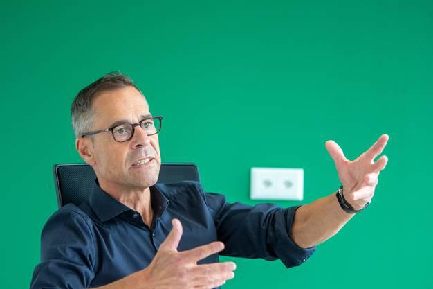 Matthias Hüppi war 38 Jahre Sportmoderator und Sportkommentator beim Schweizer Fernsehen.