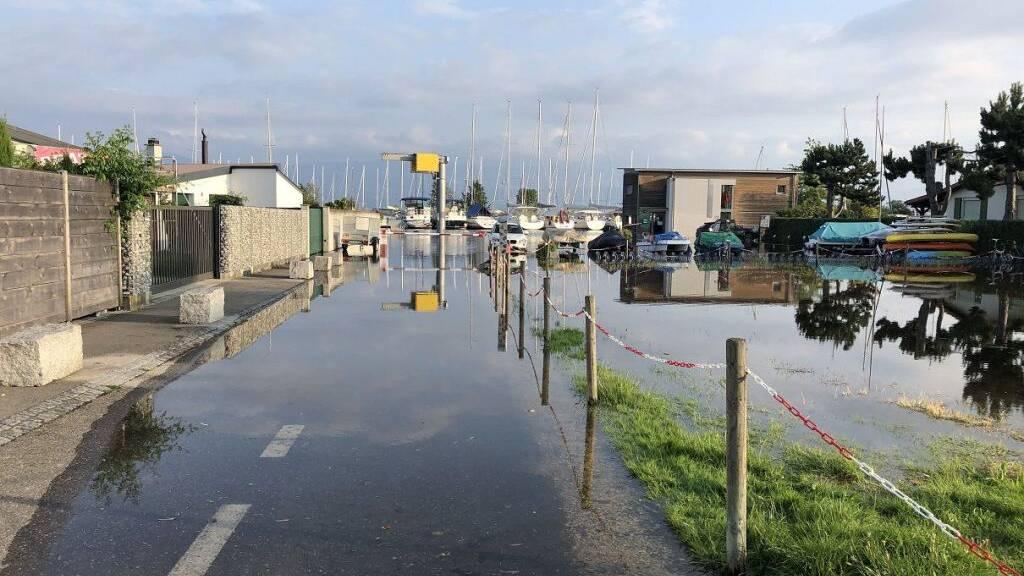 Behörden mahnen: Bevölkerung sollte See- und Flussufer meiden