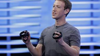 CEO Mark Zuckerberg will die Zügel bei Facebook in den Händen behalten - gegen seine Aktienpläne regt sich aber Widerstand. (Archivbild)