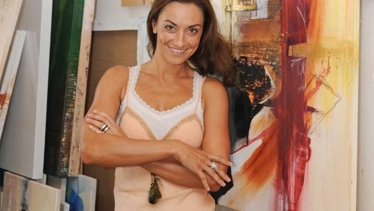 Chantal Hediger ist 1974 geboren und wuchs in Suhr auf. Sie arbeitete als Moderatorin und Nachrichtensprecherin und bereiste als Flight Attendant und Model die Welt. Nach der Absolvierung der European Film Actor School liess sie sich in Los Angeles nieder, wo sie in TV-Spots, Videoclips und Filmen mitwirkte.  Sie war im Schweizer Film «Swiss Connection» zu sehen und auf ARD in «Verbotene Liebe» sowie in diversen Bühnenstücken. Seit ihrer Rückkehr in die Heimat arbeitet sie als Moderatorin bei Tele M1, als Malerin mit eigenen Ausstellungen und als selbstständige Kunst- und Maltherapeutin. Sie lebt in Villigen, plant aber einen Umzug mit ihrem Partner in den Kanton St. Gallen.