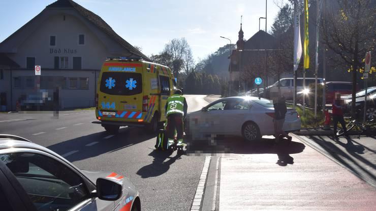 Bei der Kollision verletzte sich ein Fahrradfahrer schwer.
