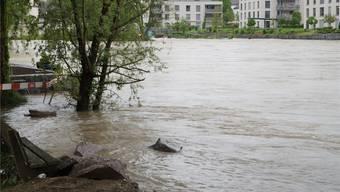 Die untere Uferpartie beim Hexenturm stand am Montag unter Wasser.