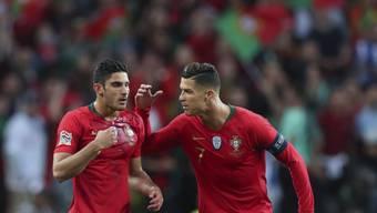Portugal mit Cristiano Ronaldo (rechts) gewinnt die Nations League