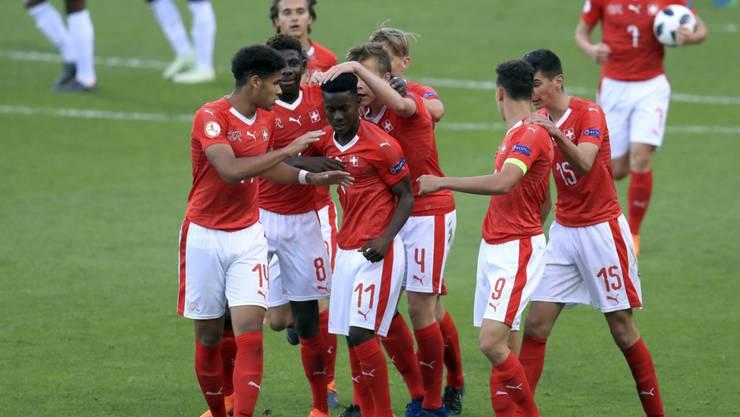 Felix Mambimbi (Nummer 11) erzielte gegen England den Schweizer Siegtreffer
