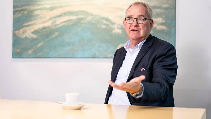 Christoph Mäder, der viele Jahre für Novartis und Syngenta gearbeitet hat, tritt heute das Amt als Präsident von Economiesuisse an.