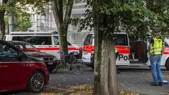Lernfahrerin fährt in zwei Velofahrer – beide müssen ins Spital gebracht werden