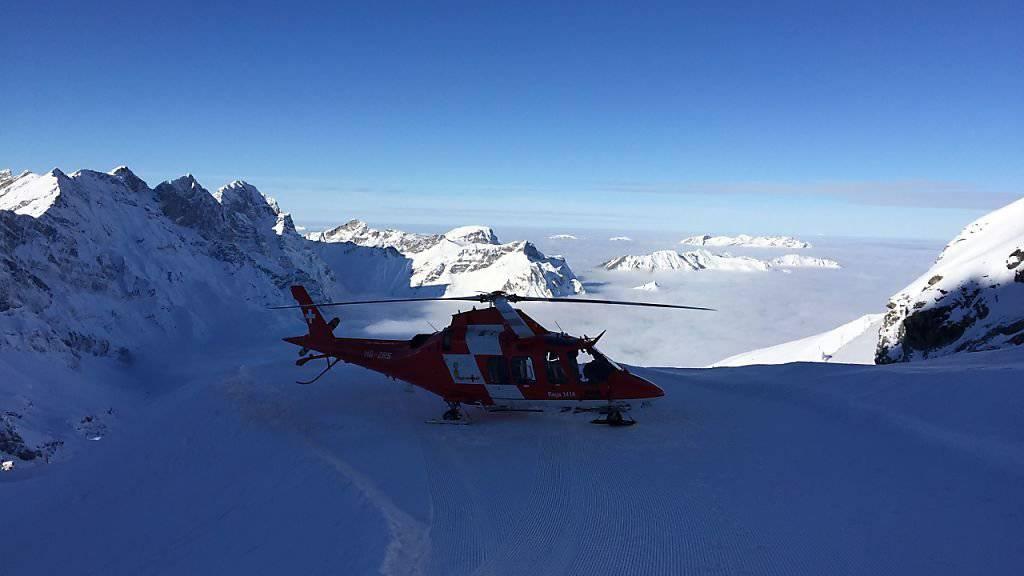 Hochbetrieb über die Weihnachtstage: Rund drei Viertel der Einsätze flog die Rega für verunfallte Wintersportler. (Symbolbild)